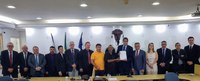 Câmara recebe Plano de Cargos dos servidores municipais